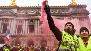 Žuti prsluci na ulicama Pariza uprkos upozorenjima vlasti