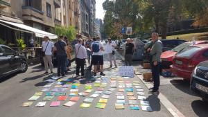 Početak školske godine: Zašto protestuju prodavci polovnih udžbenika u Kosovskoj ulici