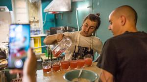 Vegani iz Sankt Peterburga kuvaju revoluciju