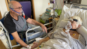 Korona virus i smrt: Emotivan oproštajni susret bračnog para u bolnici