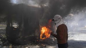 """Kriza u Venecueli: Maduro prkosno tvrdi da Gvaidov """"puč"""" nije uspeo"""