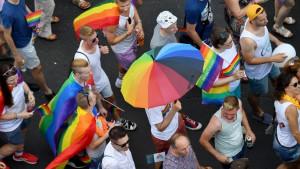 LGBT i ljudska prava: Zašto je u Srbiji i dalje tabu tema otvoreno reći da si gej