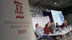Nagrada za najbolji roman godine po izboru magazina NIN razbuktala strasti u Srbiji