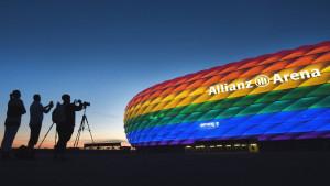 EURO 20202, fudbal, skandali i kontroverze: Čiji je Krim, STOP duginim bojama, zašto se zviždi onima koji kleče