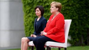 Merkel: Stabilna žena čija je drhtavica uzdrmala naciju