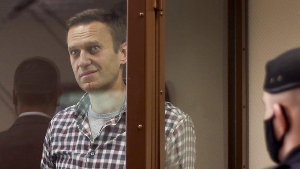 Rusija i politika: Amnesti lišio Navaljnog statusa zatvorenika savesti zbog ksenofobičnih izjava