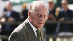 Princ Filip nepovređen u saobraćajnoj nesreći