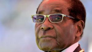 Robert Mugabe: Bivši predsednik Zimbabvea preminuo u 95. godini