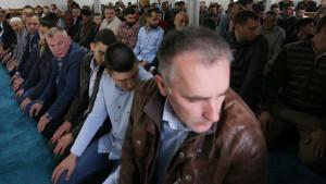 Srbija i islam: Jutarnja molitva i Ramazanski bajram u Novom Pazaru