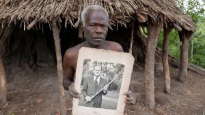 Princ Filip: Plemena Vanuatua tuguju za prinčevom božanskom figurom