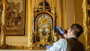 Kraljevska porodica i promena vremena: Čovek koji ručno menja kazaljke na stotinama satova u Vindzoru