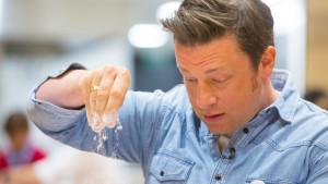 Džejmi Oliver: Šta kuvari u Srbiji kažu o britanskom kuvaru