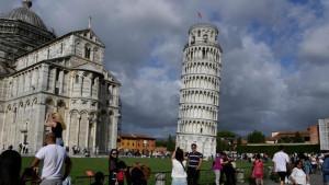 Krivi toranj u Pizi je sada manje nakrivljen