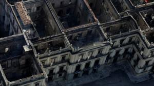 Požar u muzeju u Brazilu: potrebna sredstva za obnovu izgorelih kolekcija