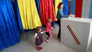 Referendum u Rumuniji: Propao predlog da se izričito zabrane gej brakovi