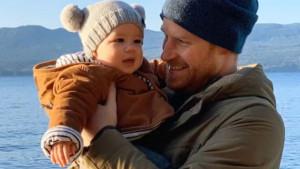 Hari i Megan: Proizvođači pletene kape koju je nosio Arči zatrpani porudžbinama