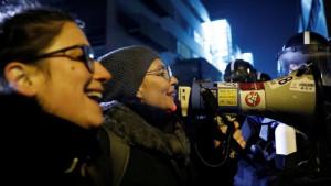 Lidere mađarske vladajuće partije Fides iznenadili protesti