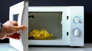 Hrana i kuvanje: Da li je bezbedno spremati obroke u mikrotalasnoj