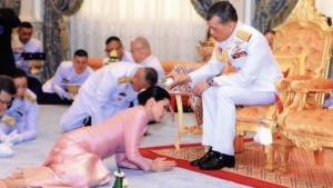 Filmska priča na Tajlandu: Kralj oženio svoju telohraniteljku
