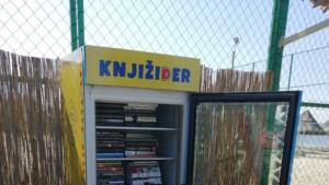 Zrenjanin: Od pokvarenog frižidera do police za knjige kratak je put