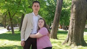 Daunov sindrom i deca u Srbiji: Marina iz Požarevca ne odustaje od srednje muzičke škole