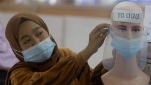 Korona virus u Indoneziji: Program vakcinacije kreće od mladih - da li je to rešenje