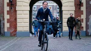 Holandija: Vlada Marka Rutea podnela ostavku zbog skandala oko dečijeg dodatka