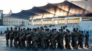 Francuska i islam: Vojnici upozoravaju na mogućnost izbijanja građanskog rata