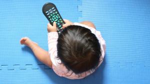 Bebe ne smeju da sede pred ekranom, tvrdi Svetska zdravstvena organizacija