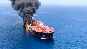 Amerika optužila Iran za napad na naftne tankere
