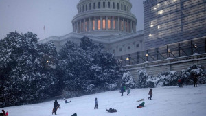 U fotografijama: Sneg prekrio Vašington dok je američka Vlada i dalje blokirana