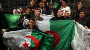 Predsednik Alžira podneo ostavku zbog masovnih protesta