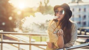 Pušenje e-cigareta u Srbiji: Gde smete da ih konzumirate i da li opasne