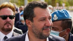 Italija i migranti: Suđenje Mateu Salviniju zbog blokade izbegličkog broda, jedan od svedoka i glumac Ričard Gir