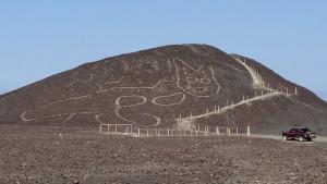 Arheologija i Peru: Figura ogromne mačke stara 2.000 godina otkrivena u pustinji
