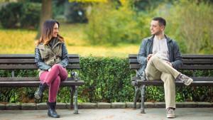 Razgovor sa strancem ima iznenađujuće prednosti