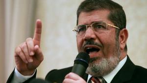 Svrgnuti predsednik Egipta Muhamed Mursi preminuo tokom suđenja
