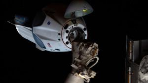 NASA, Spejs Iks i letovi u svemir: Astronauti se spuštaju iz svemira u okean