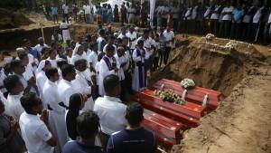 Šri Lanka: Sahrana poginulih na dan žalosti