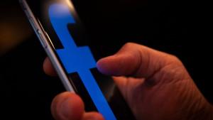 Američki srednjeročni izbori: Lažni Fejsbuk profili