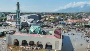 Indonezija: Potraga za preživelima nakon smrtonosnog cunamija