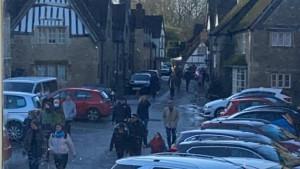 Korona virus, Velika Britanija i turizam: U selu gde je snimljen Hari Poter gužva kao da je letnja sezona