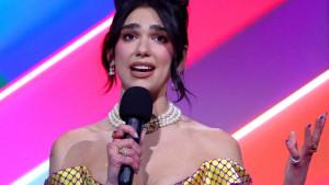 Muzika i Brit nagrada: Dua Lipa osvojila dve nagrade i zatražila veće plate za medicinske sestre