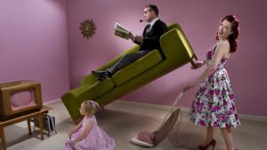 Nema više žena koje čiste dok muškarci sede prekrštenih nogu - makar u reklamama u Velikoj Britaniji