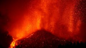 Proradio vulkan na Kanarskim ostrvima: Evakuisano 5.000 ljudi, španski premijer došao na lice mesta
