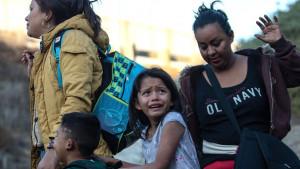 Migrantski karavan: Devojčica umrla u pritvoru nakon prelaska granice u SAD