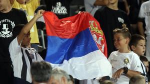 Deca na utakmici Partizana: Verni navijači ili politika, šta kaže Tviter