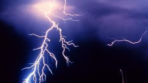 Vremenske nepogode u sred vrelog leta: Otkud grom iz vedra neba