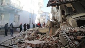 Zemljotres u Turskoj: U rušenju zgrade poginula najmanje 21 osoba