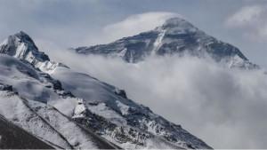 Mont Everest: Uspon kineskog tima tokom pandemije